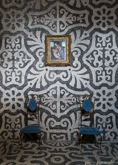Pebble wall mosaics at Villa Litta | Photographed by sentsitive2light | Make sure to click next two pics after this one post-link jump