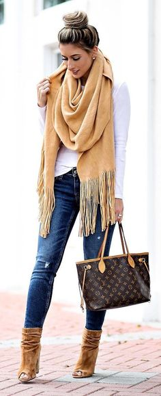 These trending Winter Outfit Ideas are so genius that makes you so stylish in the season. You can wear them all the day when you step out. Stylish Winter Outfits. #casualwinteroutfit