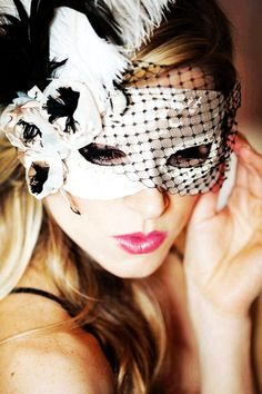 Lace Feather Masquerade Mask #Halloween #feather #mask www.loveitsomuch.com