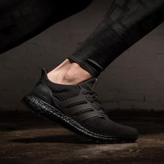 """""""Mi piace"""": 14.6 mila, commenti: 203 - adidas Running (@adidasrunning) su Instagram: """"Back in black. The results are in, the people have spoken. This is your shoe of choice. Thank you…"""""""