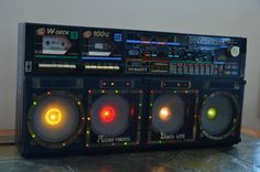 DYNASTY BREAKDANCER ES-555 DISCOLITE VINTAGE BOOMBOX (AKA the Holy Grail of Ghettoblasters)