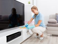 10 Habits of People Who Always Have a Clean Home Household Cleaning Tips, House Cleaning Tips, Deep Cleaning, Cleaning Hacks, Cleaning Recipes, Car Cleaning, Cleaning With Peroxide, Hydrogen Peroxide Uses, Murphys Oil Soaps