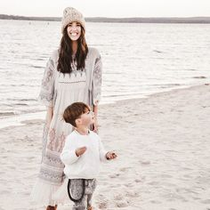 Holiday family photo ideas, fashion trends, Anthropologie dresses, kids holiday outfit ideas