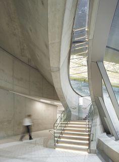 © Hélène Binet London Aquatics Centre for 2012 Summer Olympics / Zaha Hadid Architects
