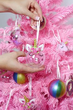 DIY unicorn Christmas tree pendants with the POSCA acrylic markers themselves make this … - Crafts For Christmas Christmas Trees For Kids, Christmas Tree Themes, Christmas Candles, Christmas Love, Christmas Traditions, All Things Christmas, Christmas Holidays, Christmas Crafts, Christmas Ornaments