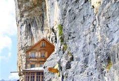 Svizzera: 50 luoghi imperdibili da visitare quest'estate - Mini Me Explorer Engelberg, Jungfraujoch, Estate, Cabin, House Styles, Mini, Home Decor, Decoration Home, Room Decor