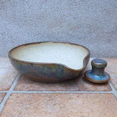 Pestle and mortar spice herb grinder stoneware hand thrown pottery ceramic Hand Built Pottery, Wheel Thrown Pottery, Slab Pottery, Ceramic Pottery, Ceramics Projects, Clay Projects, Pottery Designs, Pottery Ideas, Ceramic Teapots