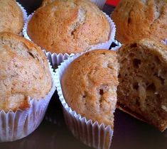 Banánové muffinky Muffin, Breakfast, Food, Morning Coffee, Muffins, Meal, Essen, Hoods, Cupcakes