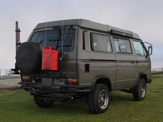 Vanagon Syncro Westfalia | Volkswagon (sweet stealth gray monochrome paintjob)