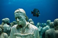 Los fondos marinos de Lanzarote albergan las primeras 30 esculturas de un total de 300 que formarán parte del primer museo subacuático de Europa.