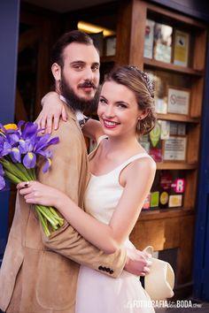 Novios hipster.  Fotografía: LA FOTOGRAFIA DE TU BODA www.lafotografiadetuboda.com  Flores: ARBOLANDE Estilismo: MARCO GARCÍA  Wedding planner: CRISTINA and CO