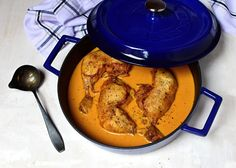 Dutch Oven, Thai Red Curry, Cooking Recipes, Breakfast, Ethnic Recipes, Food, Red Peppers, Iron Pan, Morning Coffee