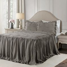 The 8 Best Comforter Sets Queen [June 2020] - Famrhouse Bedding Set Full Comforter Sets, Bedding Sets, Twin Comforter, Shabby Chic Farmhouse, Farmhouse Bedrooms, Farmhouse Style, Antique Farmhouse, Farmhouse Decor, Farmhouse Front