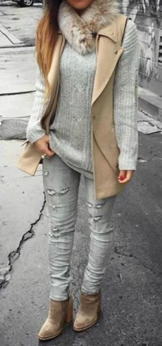 fall-winter-outfit-layered-look-ankle-boots-ripped-gray-jeans