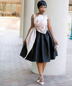 Wedding guests are hitting the dance floor in the season's most appropriate and fashion-forward outfits! From pretty lace dresses to icy blues, flirty reds and plush velvet these guests sure… African Fashion Skirts, African Lace Dresses, African Print Fashion, Elegant Dresses, Nice Dresses, 50s Dresses, Casual Chique, Vetement Fashion, African Attire