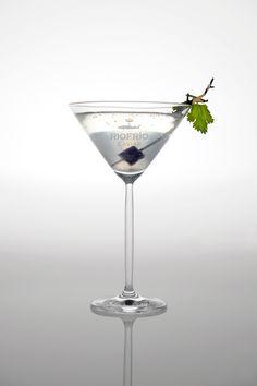 Vodka cocktail with a Riofrío caviar cube - sublime!