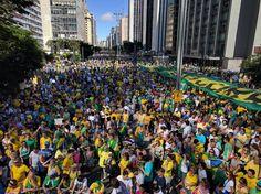 """Neste domingo, 4, o país viveu mais uma série de manifestações convocadas principalmente pelo MBL (Movimento Brasil Livre) e o """"Vem Pra Rua"""", organizações que se colocavam como """"apartidárias"""" e """"independentes"""" na época dos grandes protestos contra Dilma. A convocatória do ato deste domingo chamava a população a se manifestar contra a corrupção, em defesa da Lava Jato e a favor das """"10 medidas contra a corrupção"""" (que a maioria do povo não conhece) defendidas pelo Ministério Público Federal."""