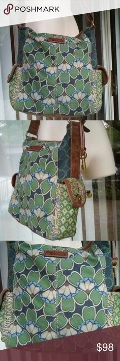 Fossil vintage cross body bag Preowned, good condition Fossil Bags Crossbody Bags