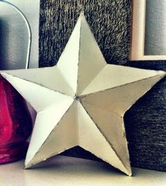 Recycle cereal boxes (or use card stock) to make these wonderful shabby 3D star  #Christmas #decorations - green, easy fun #craft.