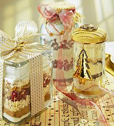This homemade food gift looks pretty layered in the jar.