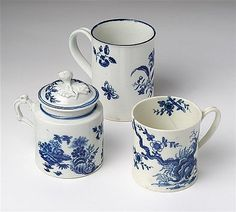 A First period blue and white Worcester mug, mustard pot and a coffee cup, 1765-1775 (3)