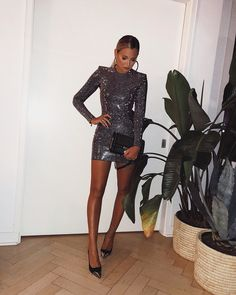balada vestido preto \ balada vestido - balada vestido curto - balada vestido branco - balada vestido preto - balada vestido vermelho - balada vestido longo - balada vestido e tenis - vestidos balada Nye Outfits, New Years Eve Outfits, Night Outfits, Dress Outfits, Fashion Dresses, Cute Dresses, Beautiful Dresses, Short Dresses, Prom Dresses