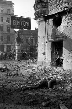 Russian Imperialism: The Soviet Invasion Of Hungary: 1956 Bad Picture, History Photos, Budapest Hungary, Pictures Images, World War Two, Wwii, Illustration, High Castle, City Scapes