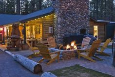 Fireside Lodge Bed and Breakfast in South Lake Tahoe, California South Lake Tahoe, Lake Tahoe Lodging, Log Cabin Exterior, Reno Tahoe, Welcome To My House, Lodge Style, Best Resorts, Beautiful Places To Visit, Amazing Places