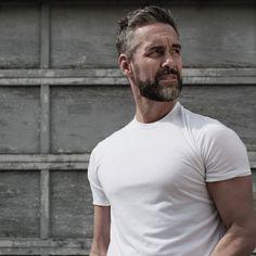 Billedresultat for Jay Harrington Portia De Rossi, Beard Love, Famous Men, Older Men, Bearded Men, Hairy Men, Man Crush, Gorgeous Men, Sexy Men