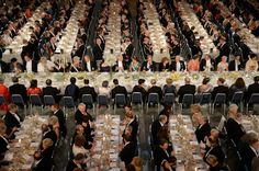 Dîner de gala. Les petits plats ont été mis dans les grands ce lundi, à l'Hôtel de ville de Stockholm, en l'honneur des lauréats du prix Nobel 2012.