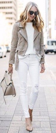 Cute Women Street Style For Spring With White Jeans10