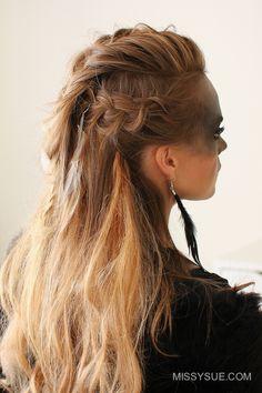 viking ponytail women - Google Search Blonde Curly Wig, Blonde Dye, Blonde Braids, Curly Wigs, Ash Blonde, Box Braids Hairstyles, Long Braided Hairstyles, Stylish Hairstyles, Hairstyle Short