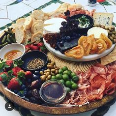 It's beginning to look a lot like... awesome platter like this one from @the_grazing_table in the the lead up to