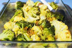 Easy Roasted Broccoli and Cauliflower | Mediterranean-style Low Carb Vegetarian Recipes, Veggie Recipes, Low Carb Recipes, Vegan Foods, Roast Broccoli And Cauliflower, Cauliflower Recipes, Veggie Fries, Veggie Stir Fry, Great Breakfast Ideas
