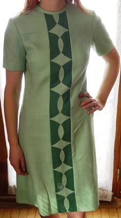 d9514a87e2 Sassy Vintage 60s Mod Green Linen Sheath Dress with Cool Diamond Pattern   This would look