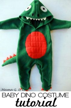 The Train To Crazy: Handmade Costumes: DIY Baby Dinosaur Costume Tutorial Dinosaur Halloween Costume, Baby Halloween Costumes For Boys, Baby Girl Halloween, Diy Halloween, Sewing For Kids, Baby Sewing, Costume Dinosaure, Diy Romper, Diy Baby Costumes