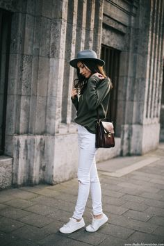 fedora hat cashmere sweater, white ripped jeans street style