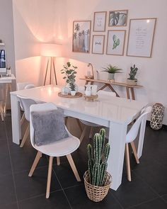 Interior Home Design Trends For 2020 - New ideas Interior Design Living Room, Living Room Decor, Bedroom Decor, Budget Home Decorating, Dining Room Design, Apartment Living, Home And Living, House Styles, Design Salon