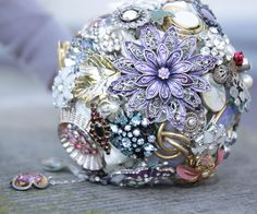 Wedding Brooch Bouquet: This was my brooch bouquet when I got married some years ago. Last year my best fried married too. She loves my bouquet so I made a brooche bouquet for her as a wedding gift. Fortunately, I documented the steps (actually for her). Beaded Bouquet, Wedding Brooch Bouquets, Diy Bouquet, Lavender Bouquet, Brooch Bouquet Tutorial, Broschen Bouquets, Bouqets, Ribbon Jewelry, Dainty Jewelry