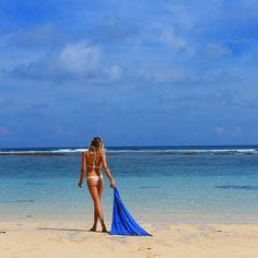 Beach babe @malibuddah vacation style