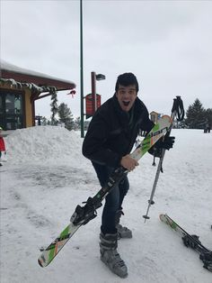 Esquiador profissional! Yowwwwwwwww...   #chestnut #galena #esqui #renanbarabanov