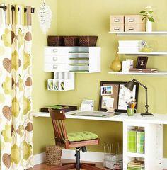 顏色選擇:書房的顏色,應以淺綠色為主。這主要是因為文昌星(也有人稱為文曲星),五行屬木,故此便應該採用木的顏色,綠色為宜,這樣會扶旺文昌星。