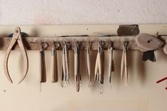 Ceramic techniques | El Torn Barcelona ~ beautiful way to store your tools and see them. Rustic and efficient. Pottery tools, art studio organization