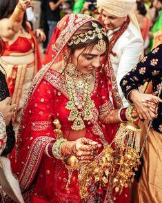 Indian Bridal Outfits, Indian Bridal Fashion, Indian Bridal Wear, Bridal Dresses, Bride Indian, Indian Wear, Rajasthani Bride, Rajasthani Dress, Bridal Bangles