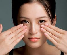 The tutorial: the 7 steps of korean facial massage Beauty Secrets, Beauty Hacks, Korean Facial, Five Minute Hairstyles, Skin Care Routine 30s, Skincare Routine, Head Scarf Styles, Home Remedies For Acne, Make Your Own Clothes
