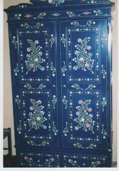 Traditional furniture from Alentejo – wardrobe
