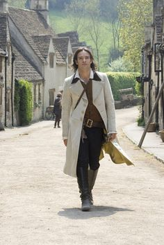 Picture: Charlie Cox in 'Stardust.' Pic is in a photo gallery for Charlie Cox featuring 14 pictures. Theatre Costumes, Movie Costumes, Halloween Costumes, Movies Showing, Movies And Tv Shows, Charlie Cox, Ella Enchanted, Fantasy Movies, Neil Gaiman