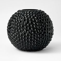 Vase Dagg by Carina Seth Andersson for Svenskt Tenn. Black Planters, Black Vase, Home Interior, Interior Design, Beautiful Interiors, Home Crafts, Contemporary Design, Art Pieces, Pottery