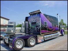 A VERY BIG RIG, with a massive custom bunk, high end paint and mural.... name of the truck: 'SHOWTIME'! Stellar!