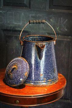 Enamelware Aspiring Large Vintage Graniteware Enamelware Double Handle Camp Pot Wood Wire Bail